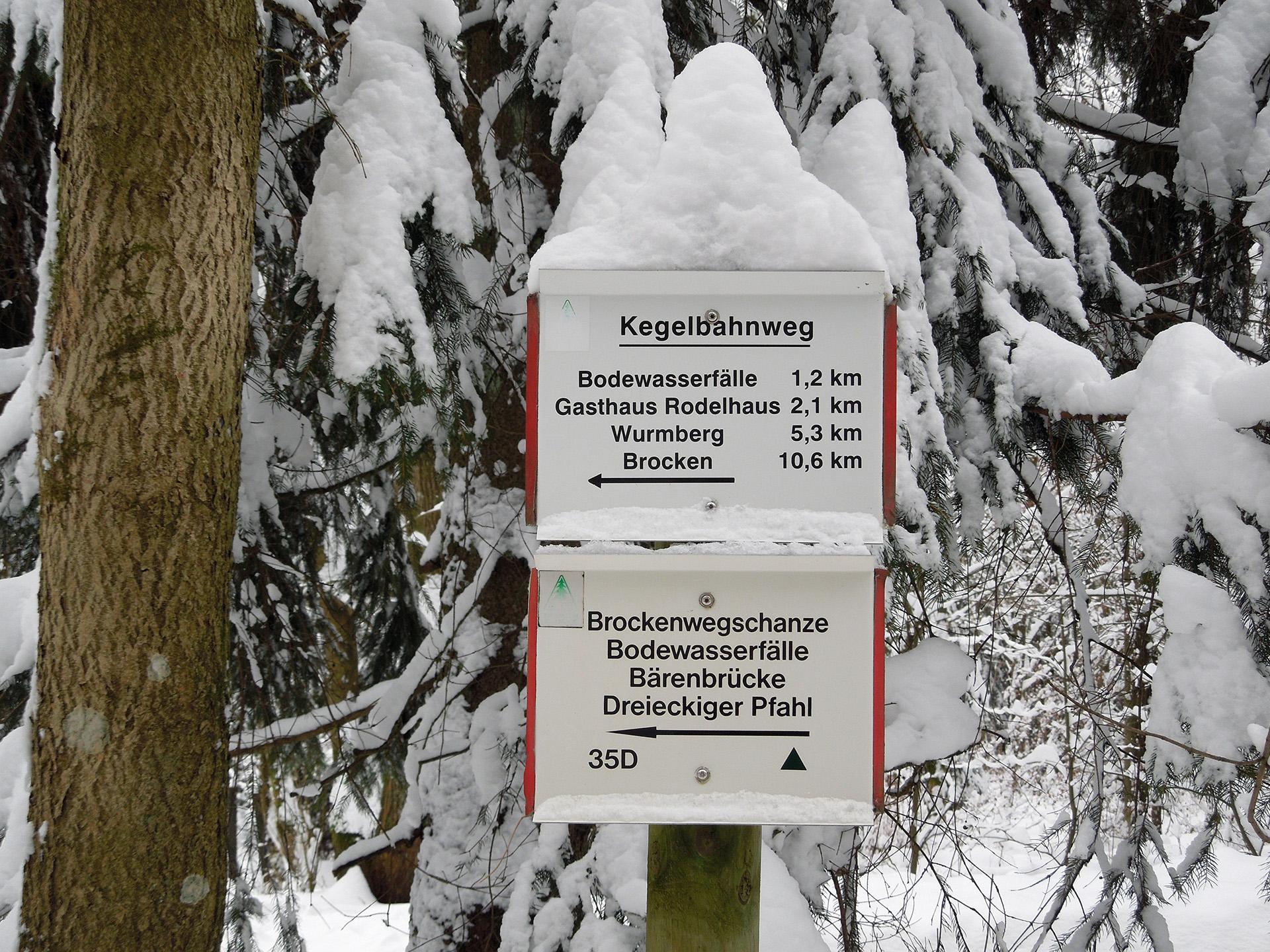 Blockhaus-Bodefall-Umgebung-Wegweiser